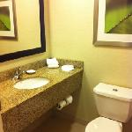 Φωτογραφία: Courtyard by Marriott Rochester East / Penfield
