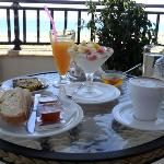  A brekfast in heaven, front of the beautiful Falassarna coast