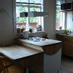 Apartment kitchen (room 8)
