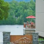 High Peaks Resort