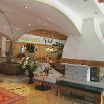 Photo de Landhotel Tharerwirt
