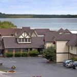 Days Inn and Suites Saint Ignace Lakefront