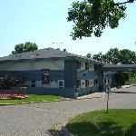 Wakota Inn &amp; Suites
