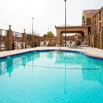  Holiday Inn Express Hotel, Lancaster CA - outdoor
