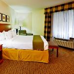 Executive King Bed Guest Room