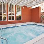  Whirlpool Holiday Inn Express-West Sacramento