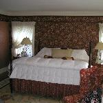 King Bed in Stockbridge Suite