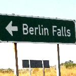 Berlin Falls - road sign