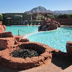 Firepit, Spa, & Pool
