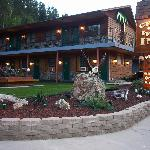 Cedar Wood Inn