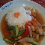 sweet & sour chicken,lunchtime deal £5.95pp - very good food..