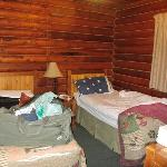 2nd Bedroom with 2 twin beds in Cabin 11