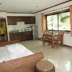 Royal Cottage Residence resmi