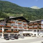 Photo of Hotel Adler San Giovanni in Valle Aurina