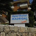 Photo de Aparthotel HSM Madrigal