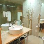 bathroom (Shenzhen, Hubei Hotel)