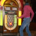  Dancing to the juke box
