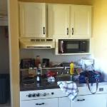 kitchenette at ingliside motel