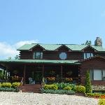 Iron Mountain Inn B&B welcomes you