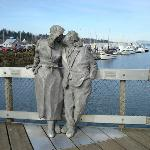 Richard Beyer's Kissing Couple Statue