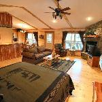 ‪Lake Forest Luxury Log Cabins‬