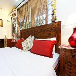 Harry's Bed and Breakfast resmi