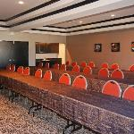  50  person Meeting Room-Projector, Screen, Podium, Flip Chart