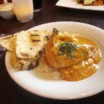 Butter Chicken (with skin & bone, sauce tasted bland)