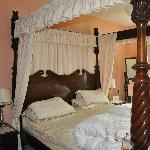 Superking Size four poster bed