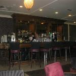 Bar & dining area