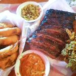 Ribs and Que Platter: More than enough to share!!