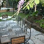  Garden, Dining