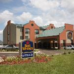 Photo of BEST WESTERN River Inn