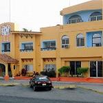 Photo of Hotel y Suites Santa Cecilia