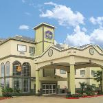 BEST WESTERN PLUS New Caney Inn & Suitesの写真