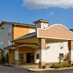 Econo Lodge Inn & Suites Clinton