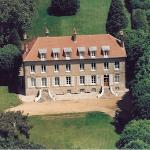 Chateau de Jonvilliers Bed & Breakfast