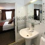 Superior Rooms have good sized fully tiled shower rooms