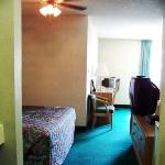  Compare Innand Suites Covington VAKing Suite