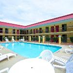 ‪Red Roof Inn Cartersville‬