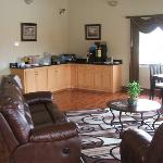 Scottish Inns & Suites Timber resmi