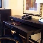 Choice Hotels Edmond Comfort Suites King Room