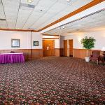 Quality Inn and Conference Centerの写真