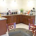 Executive Inn Jewet TXBreakfast Area