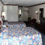 ALBudget Inn Elkmont Bed
