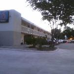 Photo de Motel 6 Uvalde, TX