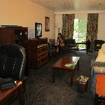 Foto de BEST WESTERN Grand Manor Inn & Suites