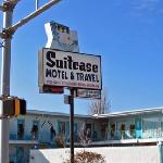  Suitcase Motel &amp; Travel