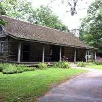 1850's cabin at Burritt on the Mountain