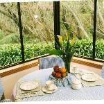 Breakfast area with view into the garden